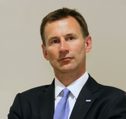 Jeremy_Hunt_visiting_the_Kaiser_Permanente_Center_for_Total_Health,_700_Second_St,_Washington,_USA-3June2013