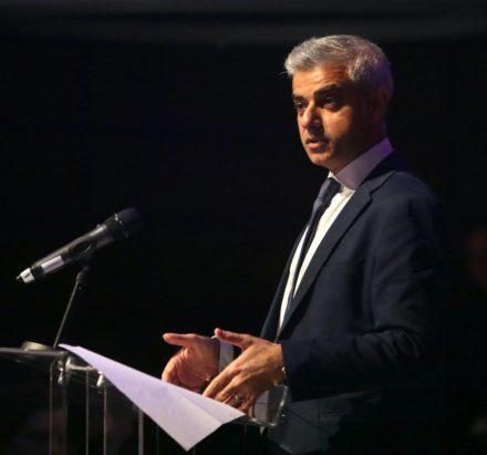sadiq-speaks-at-london-corporation-dinner